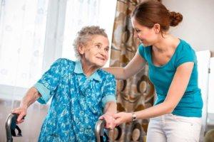 Помощь инвалидам по дому