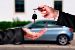 В России за месяц в среднем, продаётся около полумиллиона автотранспортных средств.