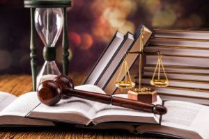 Отмена договора дарения происходит только в судебном порядке