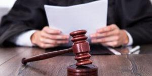 Иск о снижении размера алиментов подается в суд