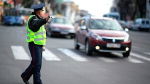 Размер штрафа за непропуск пешехода на зебре зависит от ряда факторов