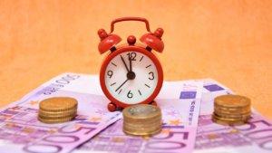 Тарифная ставка представляет собой вознаграждение за труд в единицу времени
