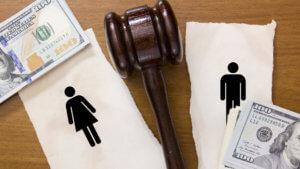 Если между супругами не достигнуто согласие, то бракоразводный процесс идет по определенным этапам