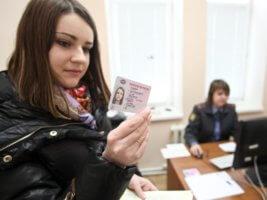 При замене прав иностранным гражданам необходимо сдавать экзамены