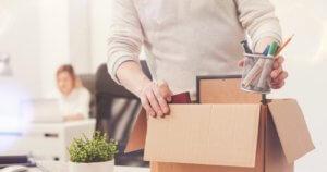 Особое значение имеет должностная инструкция, с которой работник должен быть ознакомлен при трудоустройстве
