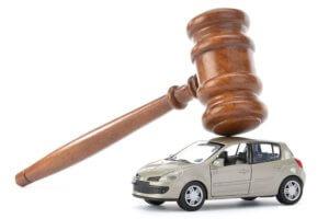 Судебные приставы имеют право выставить арестованный автомобиль через 2 месяца после конфискации