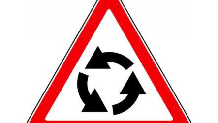 О правилах пересечения с круговым движением