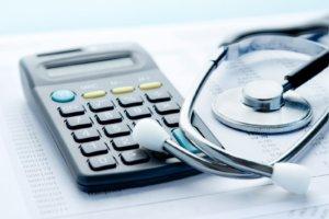 расчет выплат по больничному